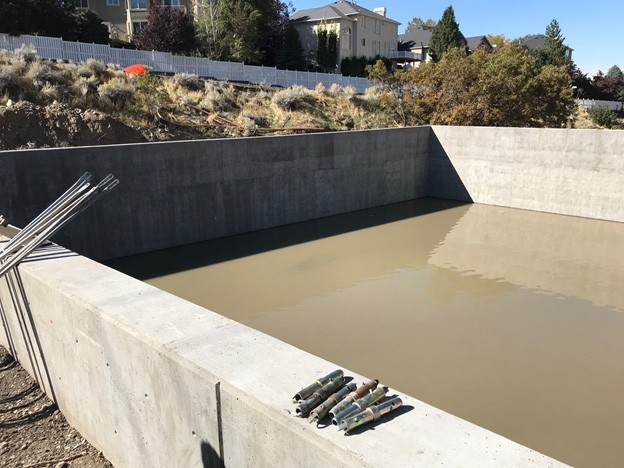This PENETRON ADMIX-treated concrete retention pond is durable and waterproof, despite regular exposure to road salts and brine solutions.