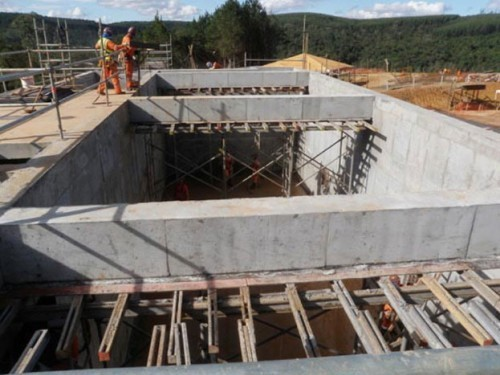 Klabin's new Puma paper mill used PENETRON ADMIX for the foundation slab and retaining walls of the basement floors; PENEBAR SW-45 waterstop sealed all construction joints.