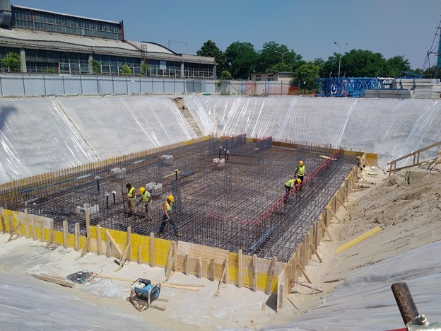 The contractor found a superior waterproofing solution to the originally specified membrane; PENETRON ADMIX was used for the foundation slab, retaining walls and underground walls.