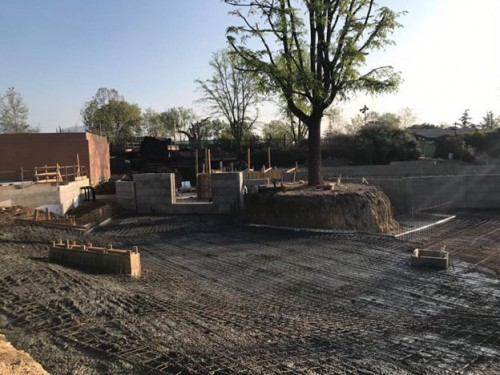Instead of a conventional PVC membrane for the pool's concrete structure, ANRA Costruzioni chose PENETRON as a waterproofing solution for the Malawi Beach habitat at Zoom Torino.